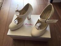 Rainbow Club Madeline Wedding shoes ivory size 4.5