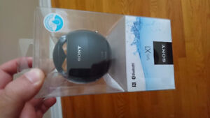 Sony x1 Bluetooth speaker water proof in the box