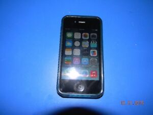 iphone 4, 8GB, with charger and cable, Excellent conditition