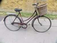 Classic Vintage Ladies Town Bike... Raleigh Cameo