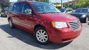 2010 Chrysler Town & Country Touring **ACCIDENT FREE**