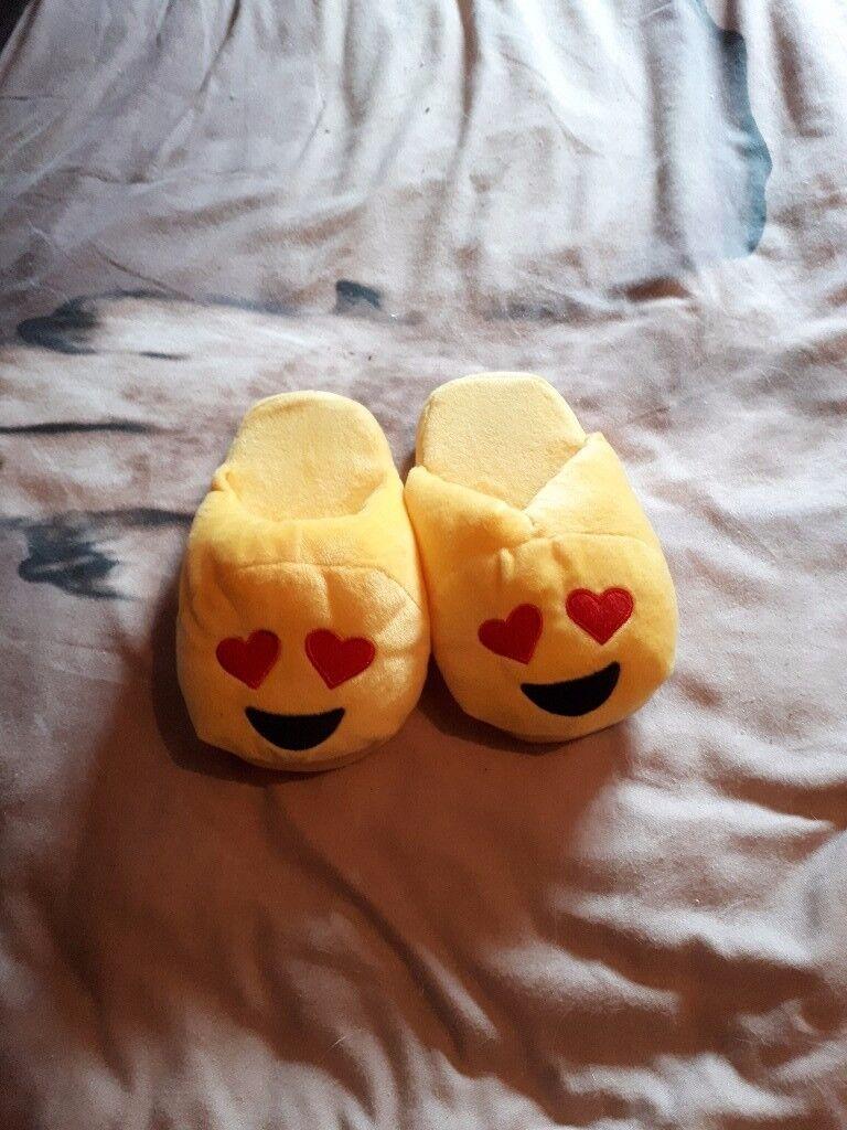 Emoji slippers size 1 - 2