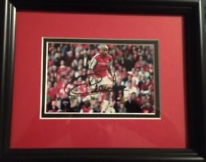 Thierry Henry Signed Photograph with frame - Arsenal/Soccer