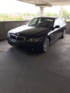 Mint condition fully loaded BMW 750Li safetied