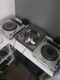 2x pioneer cdj 800 mk2 and djm 600 mixer