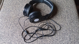 Headphones - like new! $5.00