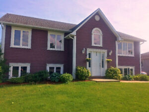 3 Bedroom Apartment - Washer/ Dryer in unit! Available Sept 1st