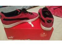 Womens size 7 puma suedes