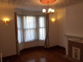 4 Double bedrooms, COSHAM, 5mins to station and QA Hospital