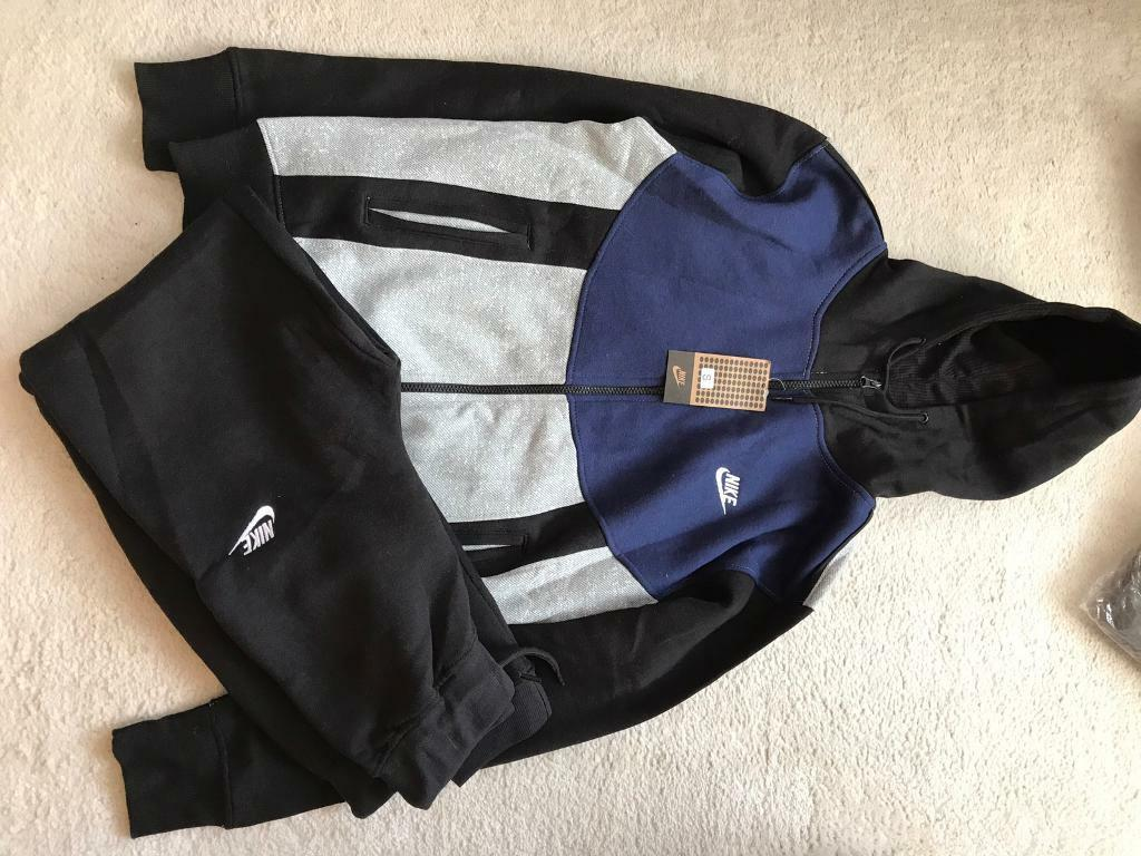 Mens stone island adidas Nike track suits tshirtsin Antrim, County AntrimGumtree - Mens track suits for sale, stone island, Nike, adidas, Lacoste some tshirts not may left Ralph Lauren etc sizes s to Xxl Message for sizes lots of sizes and brands, can send more photos if needed £30 track suits £15 tshirts All brand new with tags,...