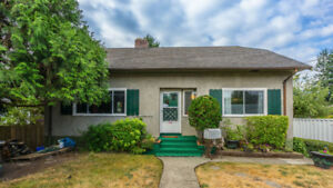 5 Bedroom 3 Bathroom Character Home Close To All Amenities