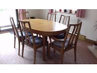 """TEAK EXTENDING DINING TABLE and 6 CHAIRS 5 ft extends to 6 ft 9"""". EXCELLENT CONDITION"""