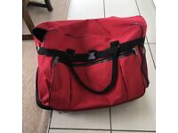 Large expandable bag with wheels