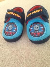 Thomas slippers size5