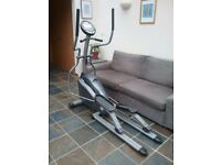 Horizon Fitness Andes 150 Elliptical Trainer with Polar heart rate monitoring