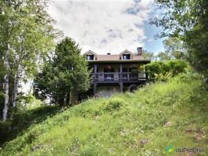 220 000$ - Maison 2 étages à vendre à Rivière-Rouge