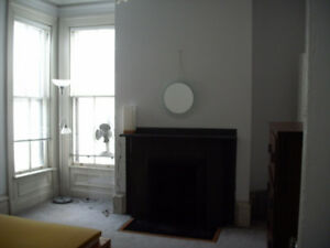 VERY LARGE 3 BDRM FLAT ON SOUTH ST., DOWNTOWN, HFX