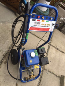 2400 Psi 2.2 GPM gas powered high-pressure washer $250 firm