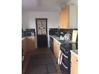 3bed nuneaton wanting a 2 bed big garden at back good size at front new kitchen fitted