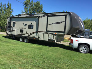 2015 34' Fifth Wheel