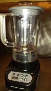 KitchenAid 4 speed blender in black