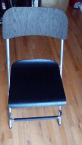 3 mint condition counter stools