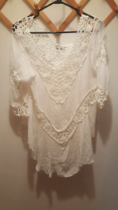 Lace Suzy Shier top