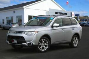 2015 Mitsubishi Outlander ES PREMIUM! REDUCED! AWD! HEATED LEATH