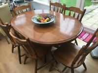 Highly polished walnut dining table & 6 chairs