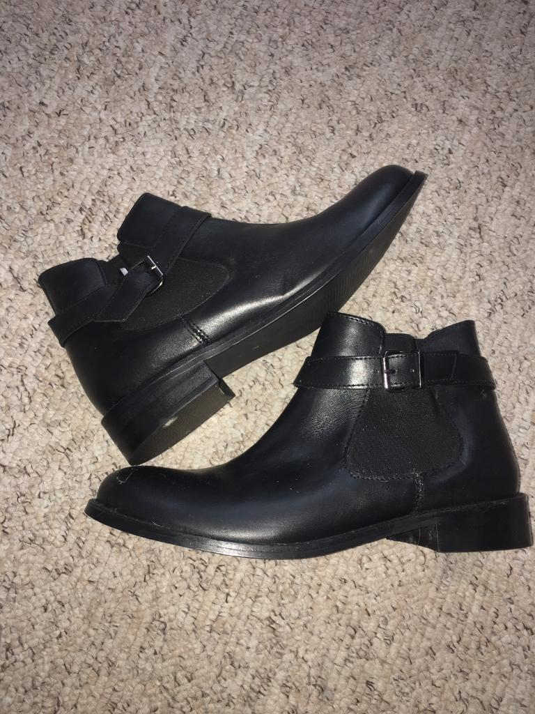 Brand new Chelsea boots size 7