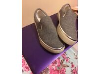 Teen shoes size 5