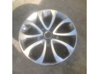 Nissan Juke 17'' wheel slight marks where the lacquer as come away