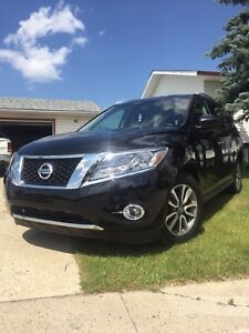 2014 NISSAN PATHFINDER FULLY LOADED 4x4 BACK UP CAMERA