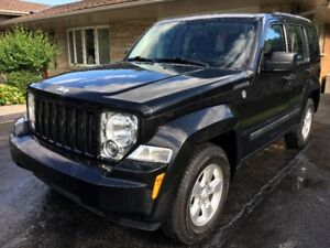 REDUCED!! 2012 JEEP LIBERTY SPORT 4x4-IMMACULATE CONDITION
