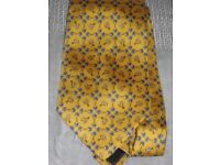 Tie - 100% Silk, Georgous Yellow Equestrian Theme - Handmade in Italy - NEW Condition
