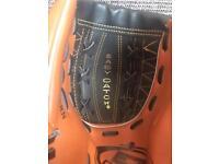 Easy catch Wilson baseball catchers mitt/ glove and ball from the USA