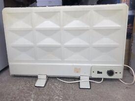 Freestanding oil filled radiator panel