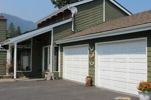 House - Pool - 3.8 Acres - McLure, BC (Kamloops)