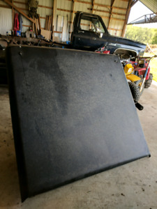 Nissan frontier hard cover