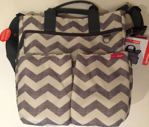 Sac à couches / Diaper Bag -Skip Hop Duo Signature New with tags