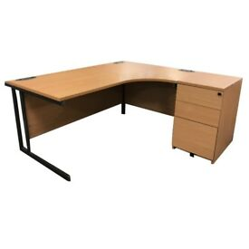 USED EXECUTIVE OFFICE DESKS. 10 AVAILABLE. FREE FAST DELIVERY
