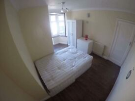 Studio flat £190/w,single £90/w and double £150/w room also available