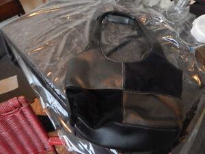 Leather Smartlyte Purse