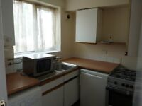TWO BEDROOM FLAT AVAILABLE ON STRATFORD ROAD - DHSS ACCEPTED