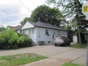 Highly Sought After Prime Newtonbrook East Location