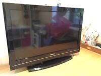 "Toshiba 32"" LCD HD TV"