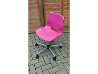 AS NEW PINK COMPUTER CHAIR