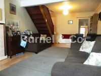 2 bedroom house with garden to rent in Hounslow, Spring Grove Road, TW3