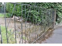 METAL GATE 2 SETS 1610 x 2, 1765 x 2