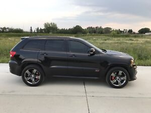 SRT8 Jeep Grand Cherokee - Blacked out - Must go